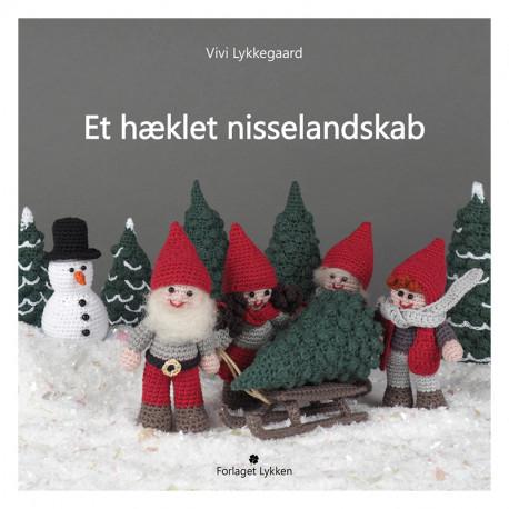 """Hæklebog """"Et hæklet nisselandskab"""" af Vivi Lykkegaard"""" - TRYKT BOG"""