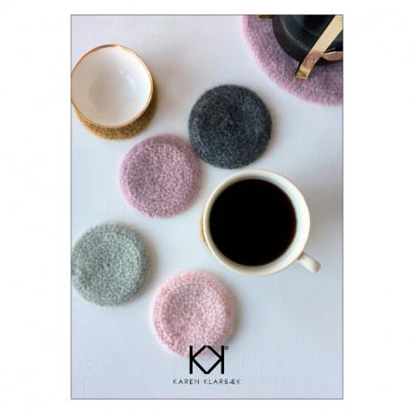 Opskrift på hæklet, filtet coaster - Farvetryk i postkortstørrelse