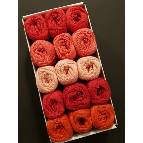 Røde farver - 15 nøgler bomuldsgarn, opskrift på båltæppe