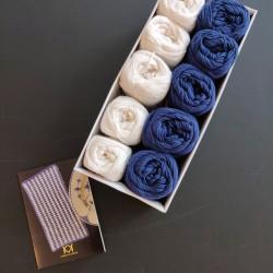 Blå+hvid - 10 nøgler bomuldsgarn (2. sortering) + opskrift på Vævestrikket serviet