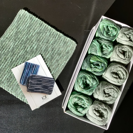 8/4: Grøn-Grøn multifarvet - 10 nøgler bomuldsgarn (2. sortering) + opskrift på Strikket tofarvet klud