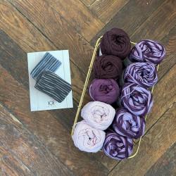 8/4: Lilla-Multifarvet lilla (2. sortering + restgarn) 10 nøgler + opskrift på strikket tofarvet klud