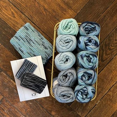 8/4: Blå-Turkis-Multifarvet blå (2. sortering + restgarn) 10 nøgler + opskrift på strikket tofarvet klud
