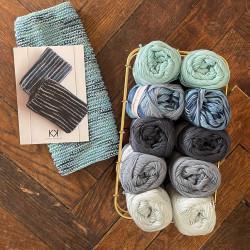 8/4: Kludekit I (2. sortering + restgarn) 10 nøgler + opskrift på strikket tofarvet klud