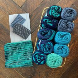 8/4: Blå-Grøn mixkit (2. sortering + restgarn) 10 nøgler + opskrift på hæklet blondehåndklæde