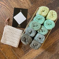 8/4: Grønne nuancer - 10 nøgler bomuldsgarn + opskrift på klud med hulmønster
