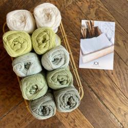 8/4: Hvid og grønne nuancer (2. sortering + restgarn) 10 nøgler + opskrift på Serviet med lille vifte