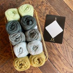 8/4: Grønne nuancer II - 10 nøgler bomuldsgarn + opskrift på klud med hulmønster
